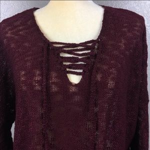 LoVE by Design Burgundy Small Weave Sweater NWT